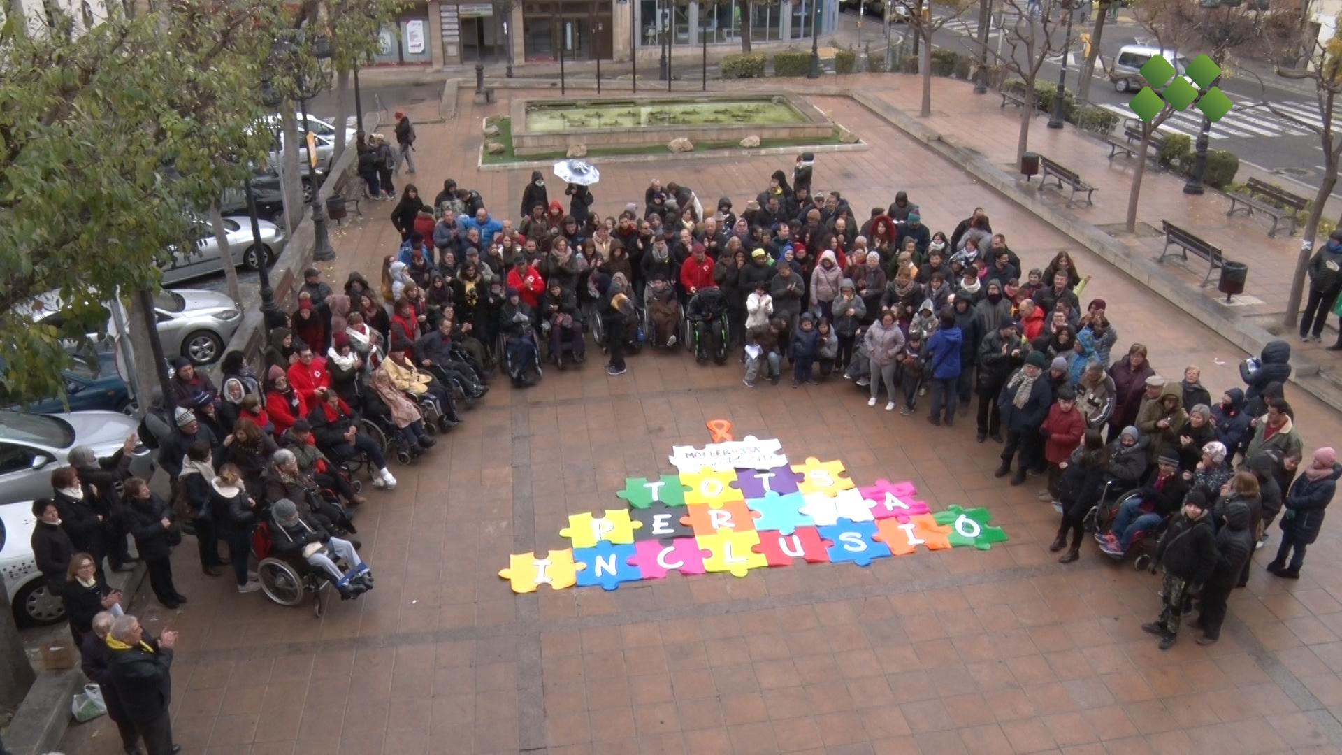 Unes 150 persones commemoren el Dia Internacional de les Persones amb Discapacitat