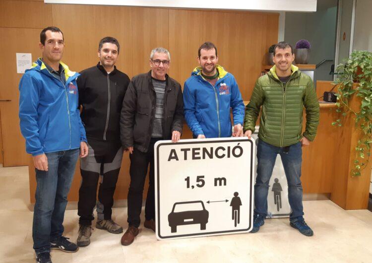 La CATIGAT presenta senyals de trànsit per millorar la seguretat dels ciclistes