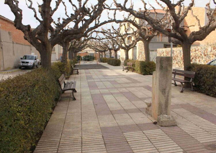Finalitzen les obres d'arranjament de la plaça 1 d'Octubre del Palau d'Anglesola