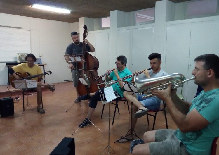 """Les ballades de sardanes a la fresca del mes d'agost arrancaran amb l'estrena de la nova formació musical """"Quintet de Cobla"""""""