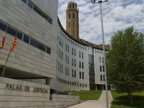 Façana de l'edifici dels Jutjats de Lleida.