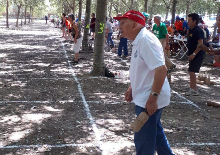 Vila-sana celebra la tercera edició de la tirada de bitlles a l'Estany amb la participació de 22 poblacions