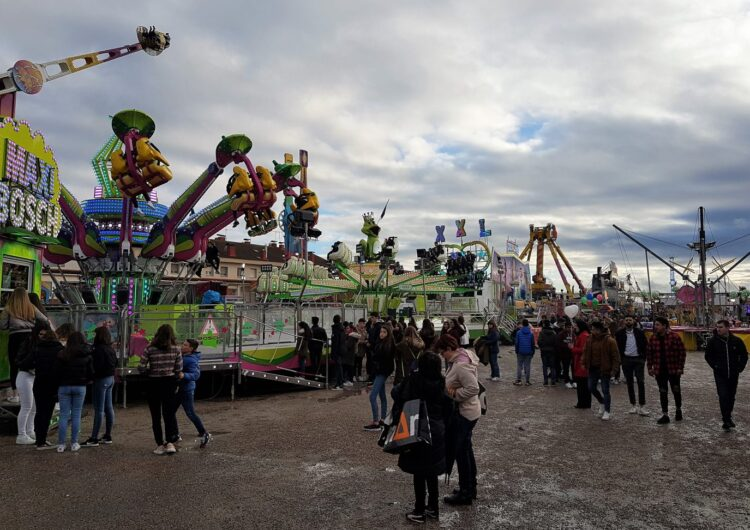Un centenar d'atraccions i el mercadet al carrer Arbeca sumen oferta lúdica a la Fira de Sant Josep