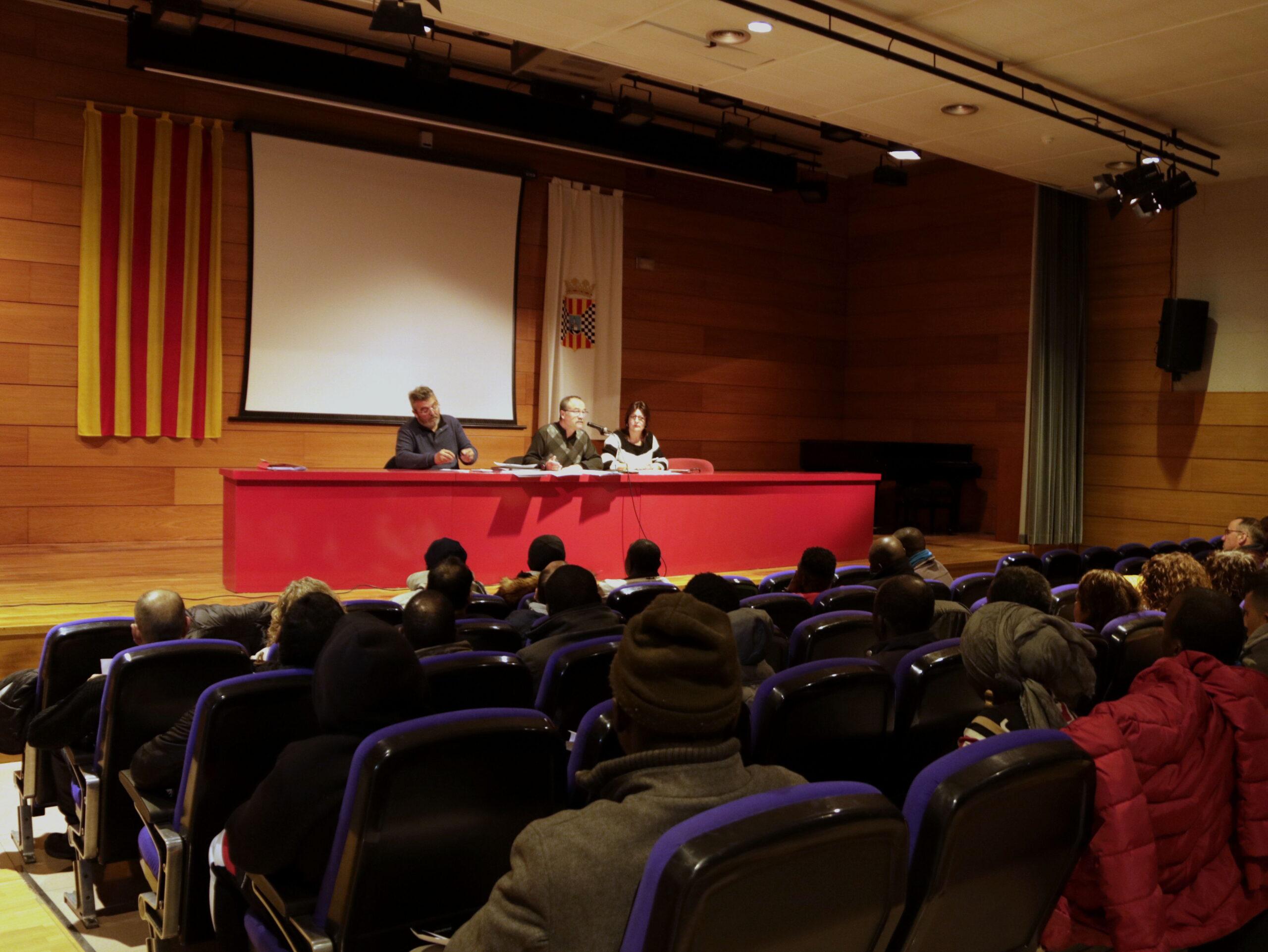 Imatge general de la sala on s'ha celebrat l'assemblea de FICA-UGT Terres de Lleida i els treballadors d'Axparia, Grupo Jorge aquest dissabte a Mollerussa. El 12 de gener de 2019. (Horitzontal)