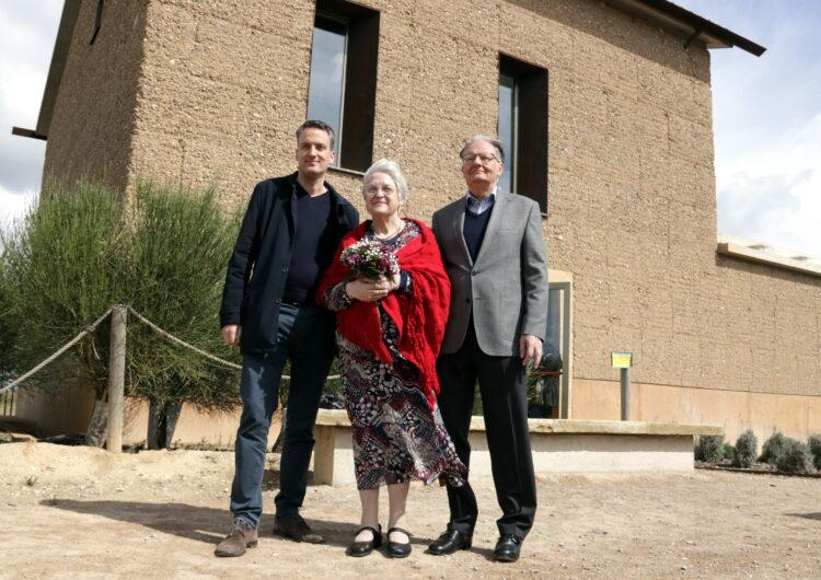 Cal Sinén estrena el seu nou espai museístic amb la satisfacció de la família propietària de la masia