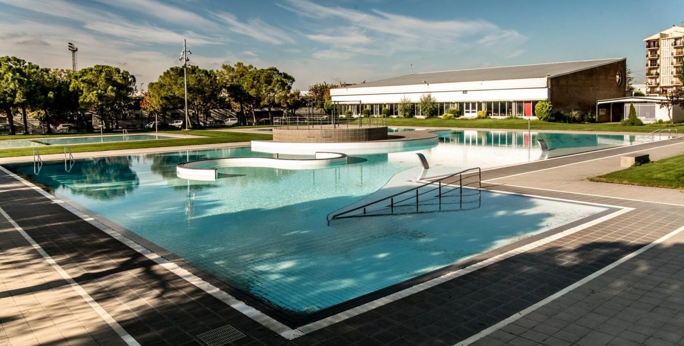 Pla general de la piscina gran del complex de les piscines municipals de Mollerussa. (Horitzontal)