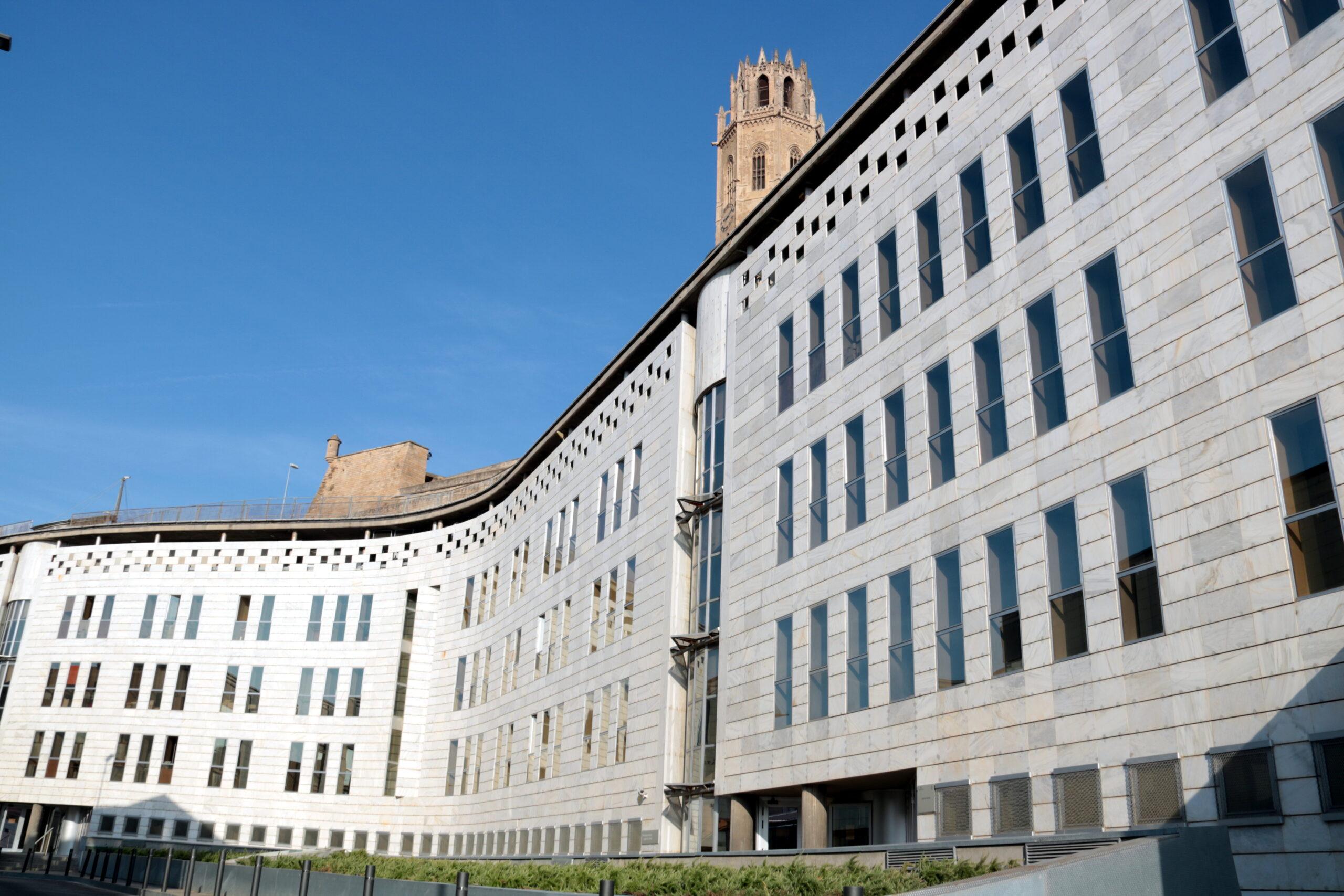 Pla general de l'edifici dels jutjats de Lleida, el 23 d'agost del 2019. (Horitzontal)