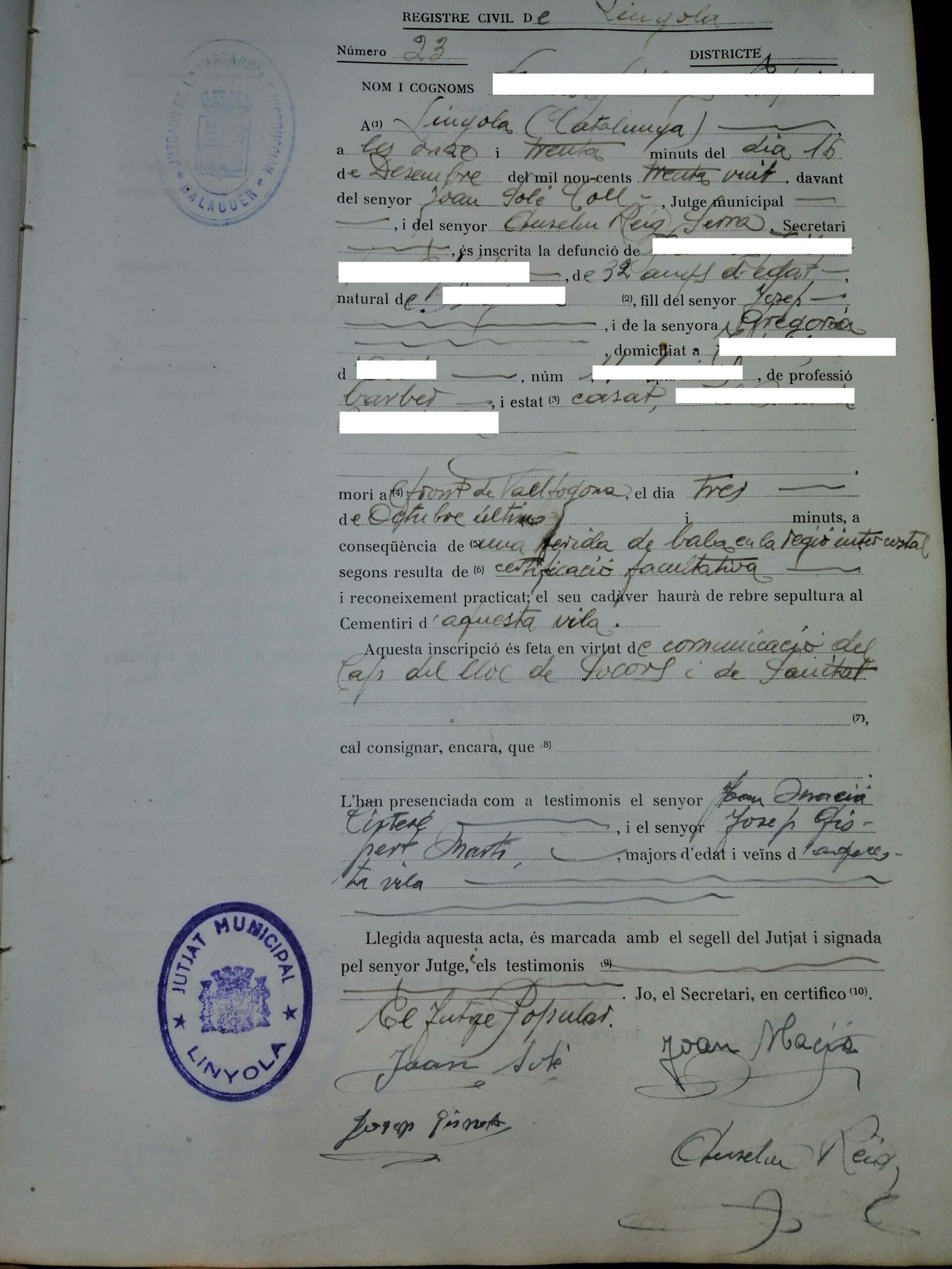Document d'enterrament d'un soldat mort al Front del Segre a Vallfogona de Balaguer i enterrat a Linyola. (Vertical)