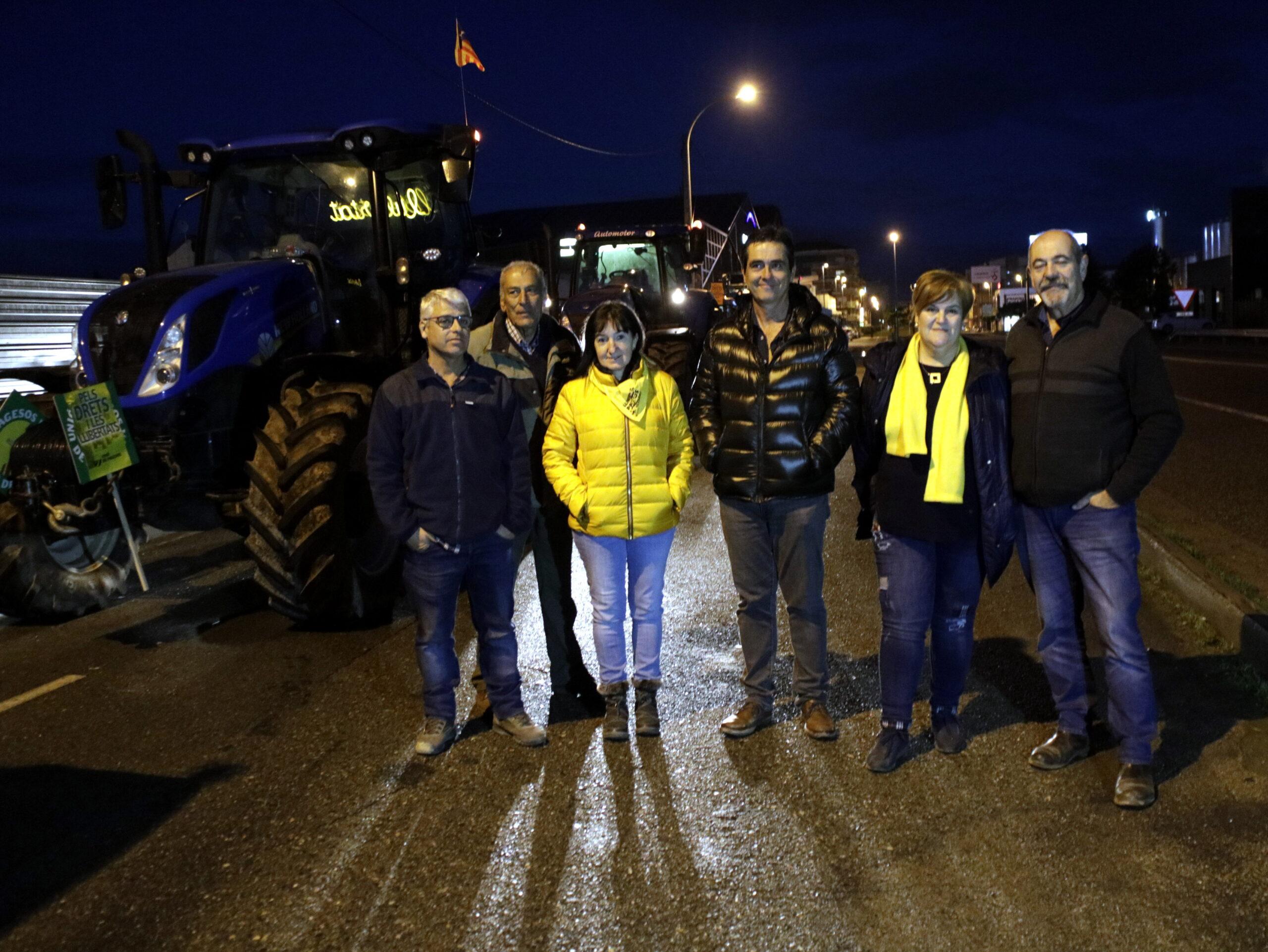 Pla general d'alguns dels participants a la tractorada d'Unió de Pagesos que han sortit de Mollerussa, el 21 de desembre de 2019. (Horitzontal)