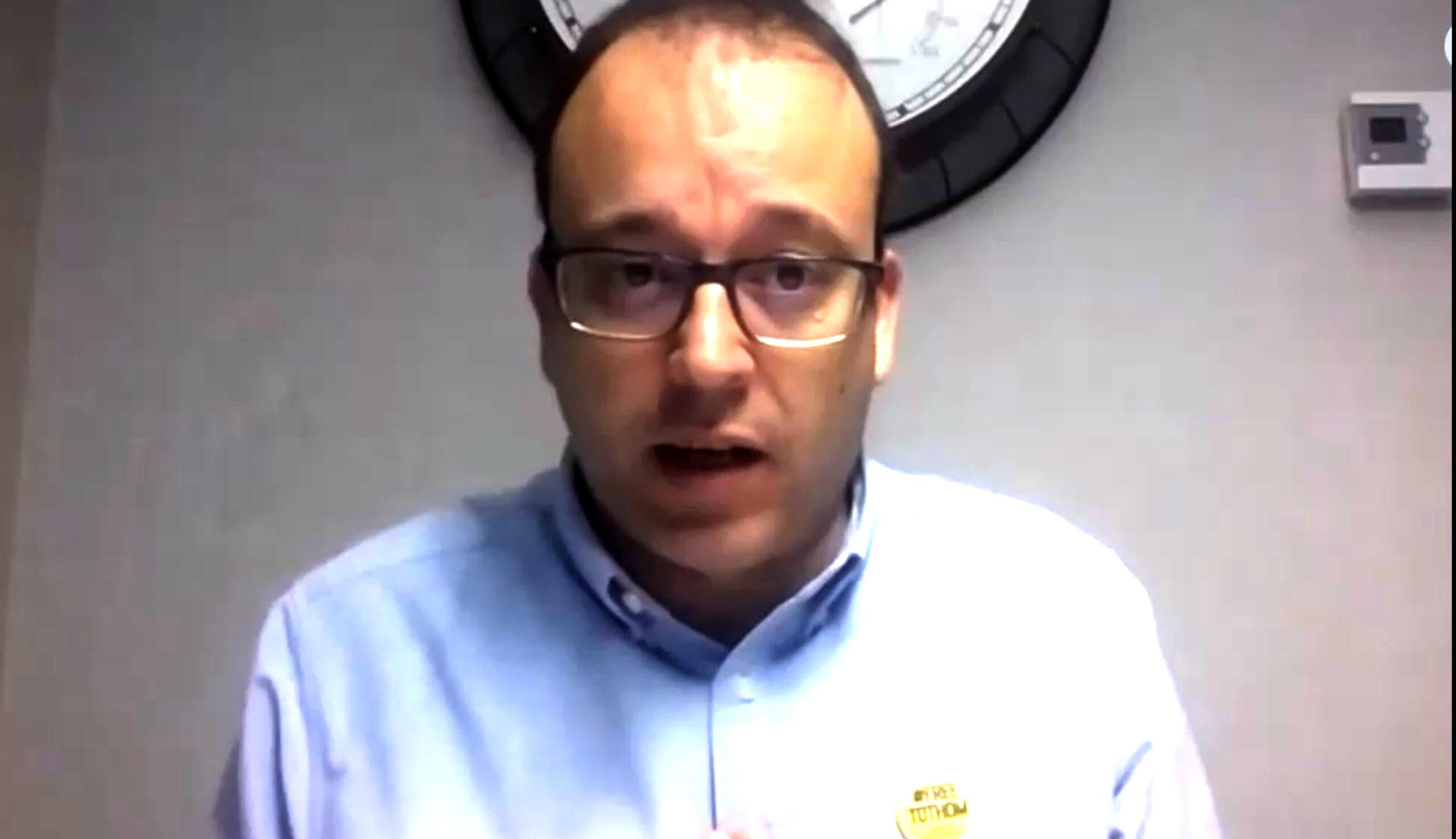 Captura d'imatge de la videconferència setmanal que ofereix l'alcalde de Mollerussa, Marc Solsona, per informar de la situació per la covid-19, el 21 d'abril de 2020. (Horitzontal)