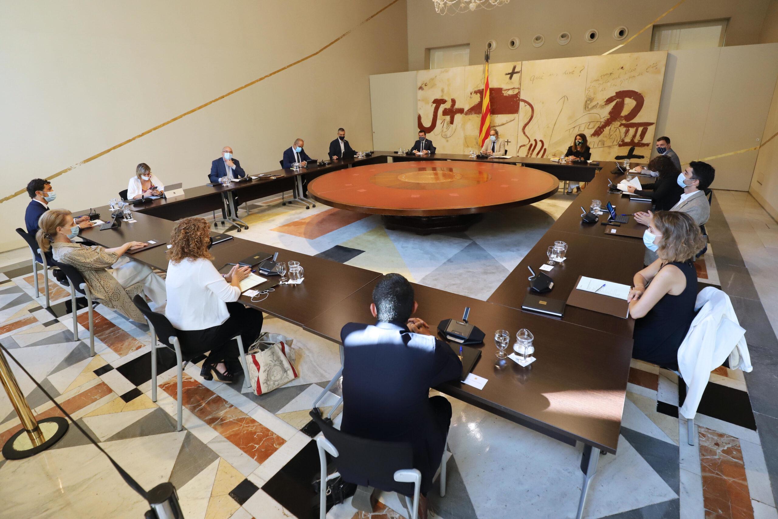Pla general de la reunió extraordinària del Consell Executiu a Palau, el 25 d'agost de 2020 (Horitzontal)