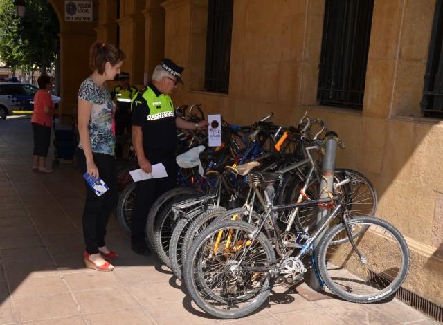 El consistori inicia una campanya de conscienciació entre els usuaris de bicicletes, patinets i monopatins (Autor: Aj. Mollerussa)