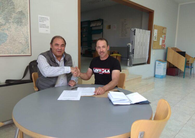 Linyola i Bellcaire firmen un conveni de col·laboració per compartir l'abonament de les piscines municipals