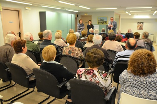Una de les xerrades de l'alcalde de Mollerussa, Marc Solsona, al Casal d'Avis. FOTO: Ajuntament de Mollerussa.