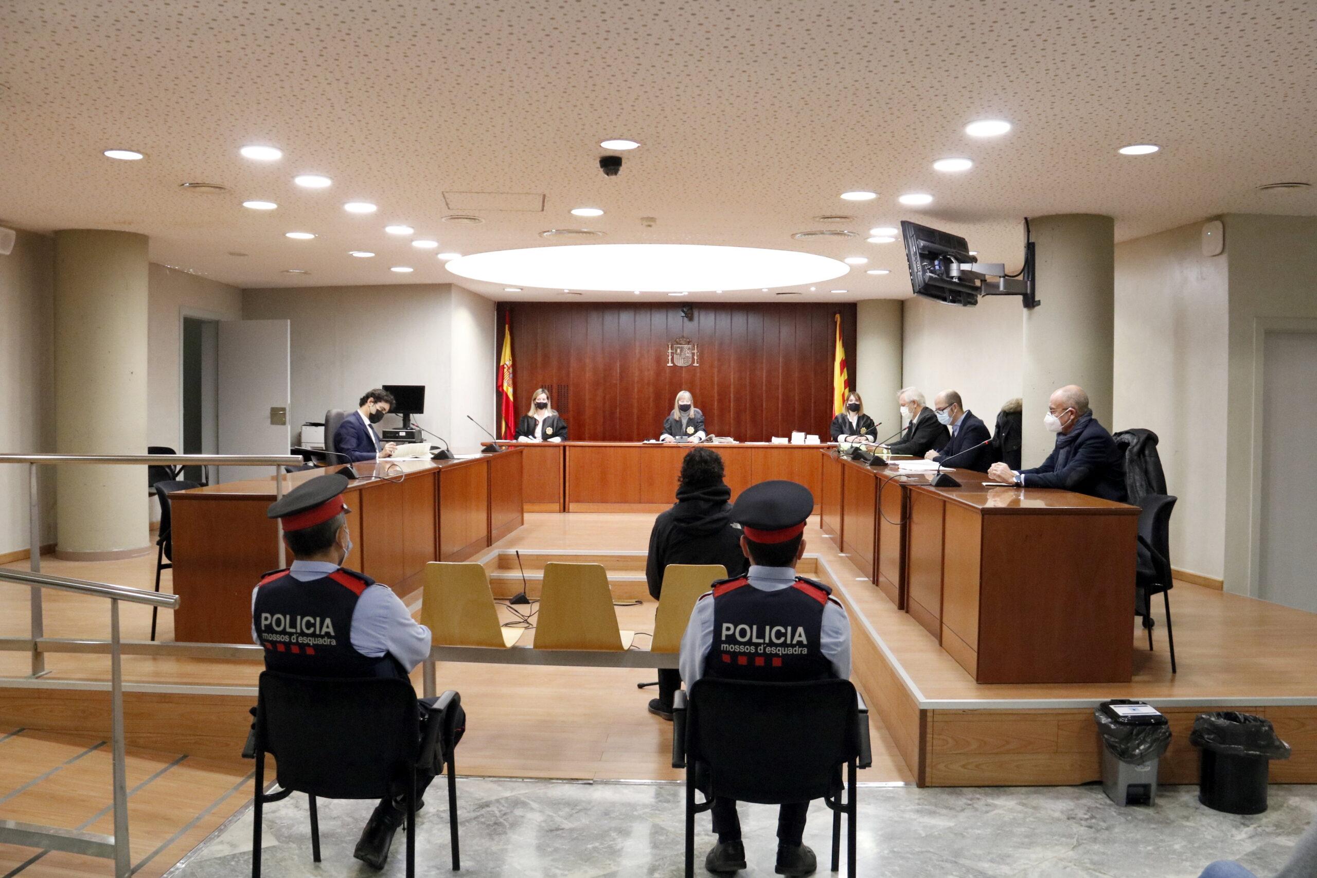 Pla obert de l'Audiència de Lleida durant la vista de conformitat a l'exeducador social de Mollerussa per corrupció de menors. Imatge del 16 de desembre de 2020. (Horitzontal)