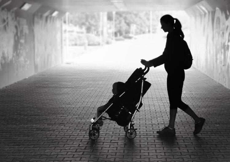 La Generalitat duplica en un any els serveis per a dones en situació de violència masclista