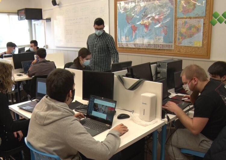 L'alumnat de La Salle Mollerussa crea pàgines web per als establiments locals