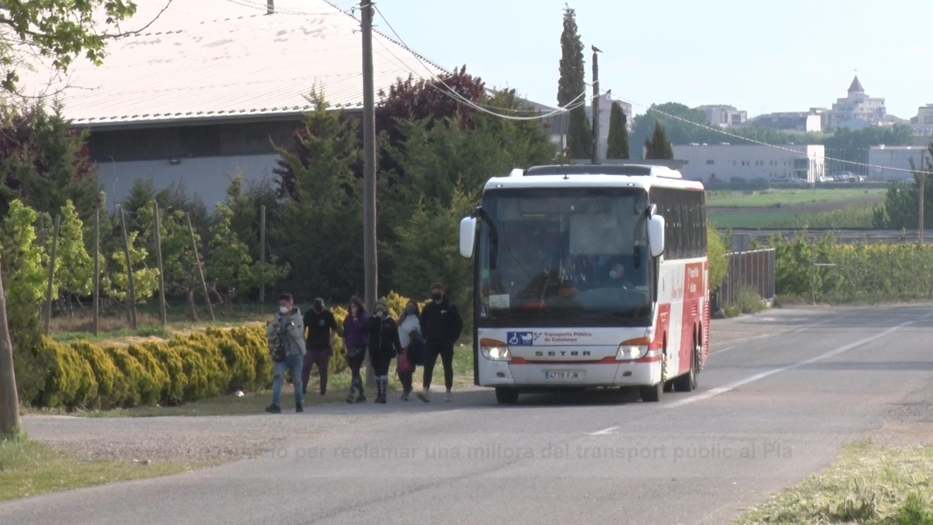 El ple de Mollerussa insta a la Generalitat a millorar l'oferta de transport escolar a la comarca