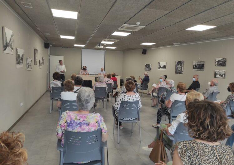 Bellvís dona el tret d'inici a l'exposició itinerant de Joan Barceló