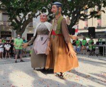 Bellvís celebra els 25 anys dels seus gegantons, el Tonet i la Sileta
