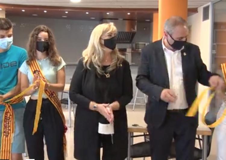 Violant Cervera inaugura el nou centre de serveis de Golmés