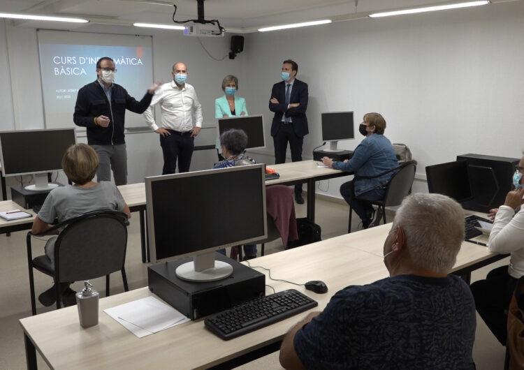 El Casal per a la Gent Gran de Mollerussa estrena sala d'informàtica